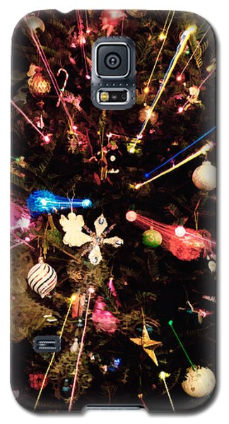 Galaxy S5 Case featuring the photograph Christmas Tree Lights by Vizual Studio