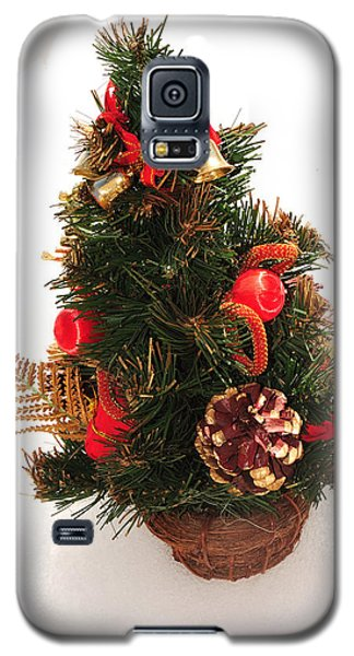 Galaxy S5 Case featuring the photograph Christmas Tree by Marwan Khoury
