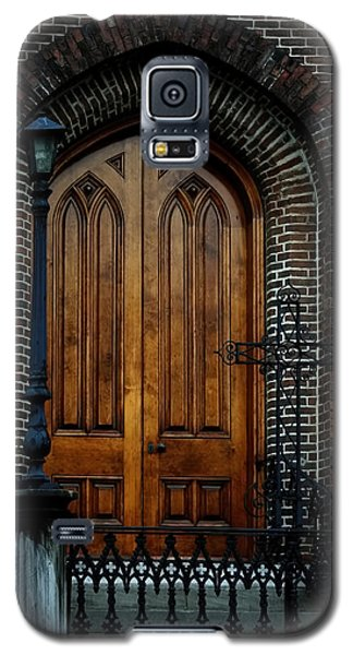 Church Arch And Wooden Door Architecture Galaxy S5 Case