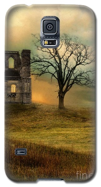 Church Ruin With Stormy Skies Galaxy S5 Case