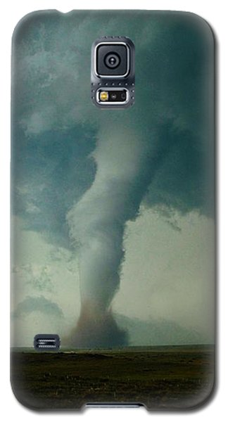 Galaxy S5 Case featuring the photograph Churning Twister by Ed Sweeney