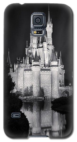 Cinderella's Castle Reflection Black And White Galaxy S5 Case