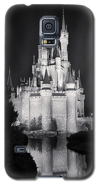 Cinderella's Castle Reflection Black And White Galaxy S5 Case