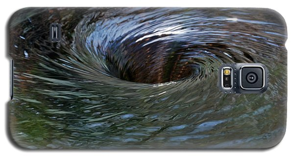 Galaxy S5 Case featuring the photograph Circling by Wendy Wilton