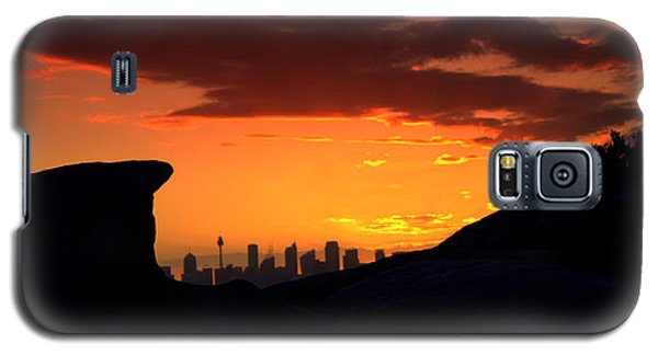 City In A Palm Of Rock Galaxy S5 Case by Miroslava Jurcik