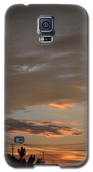 Galaxy S5 Case featuring the photograph City Sunset 2  by Lyle Crump