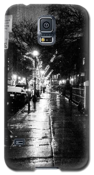 Galaxy S5 Case featuring the photograph City Walk In The Rain by Mike Ste Marie