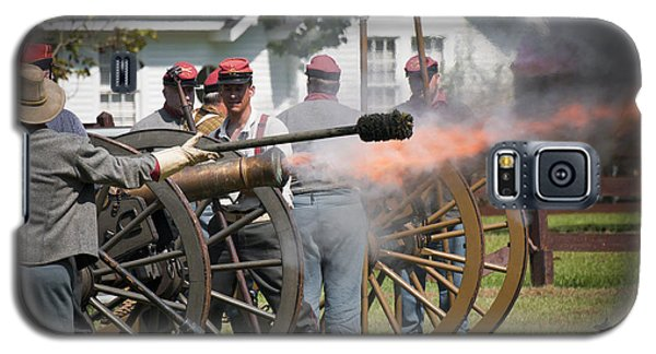 Galaxy S5 Case featuring the photograph Civil War Cannon Fire by Ray Devlin