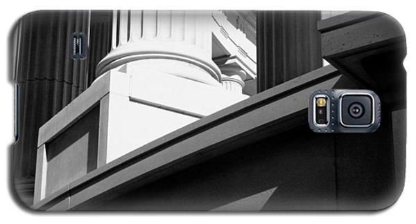 Classical Architectural Columns Black White Galaxy S5 Case