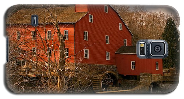 Galaxy S5 Case featuring the photograph Clinton Mill by Robert Pilkington