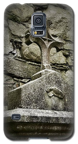 Cloister Cross At Jerpoint Abbey Galaxy S5 Case
