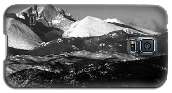 Galaxy S5 Case featuring the photograph Close To Me by Silke Brubaker