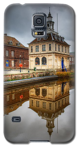 Close-up Of Historic Customs House And Dramatic Reflection Galaxy S5 Case