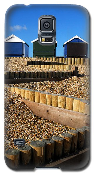 Galaxy S5 Case featuring the photograph Closed For The Winter by Wendy Wilton