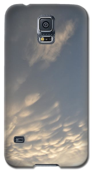 Galaxy S5 Case featuring the photograph Cloud Bottoms  by Lyle Crump