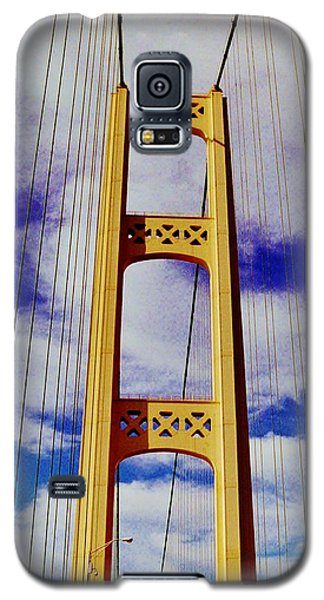 Galaxy S5 Case featuring the photograph Clouds by Daniel Thompson
