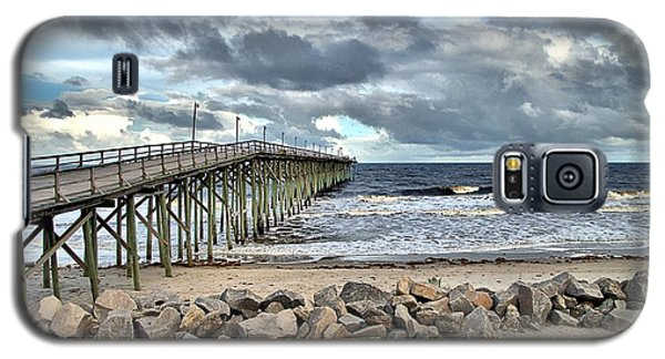Clouds Over The Pier Galaxy S5 Case