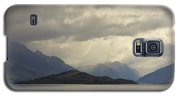 Clouds Over Wakatipu #2 Galaxy S5 Case by Stuart Litoff
