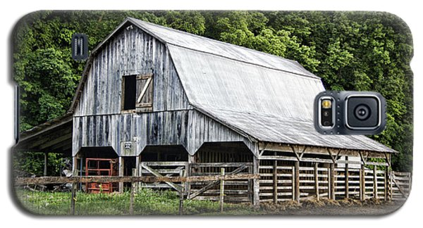 Clubhouse Road Barn Galaxy S5 Case