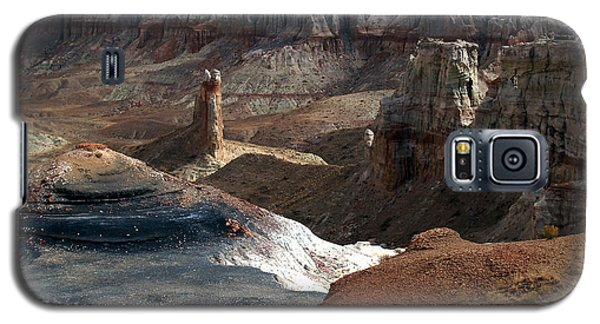 Galaxy S5 Case featuring the photograph Coal Mine Mesa 09 by Jeff Brunton