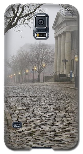 Cobblestone Street In Fog Galaxy S5 Case