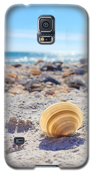 Galaxy S5 Case featuring the photograph Cockle Shell Summer At Sanibel by Peta Thames