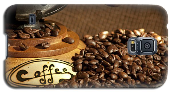 Coffee Grinder With Beans Galaxy S5 Case by Gunter Nezhoda