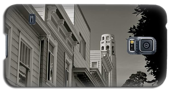 Galaxy S5 Case featuring the photograph Coit Tower by Alex King