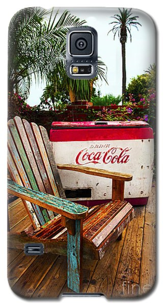 Vintage Coke Machine With Adirondack Chair Galaxy S5 Case