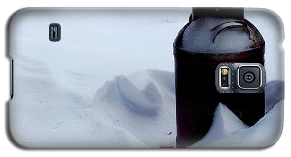 Galaxy S5 Case featuring the photograph Cold Milk by Linda Cox