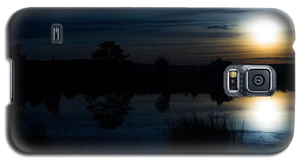 Galaxy S5 Case featuring the photograph Cold Winter Morning by Angela DeFrias