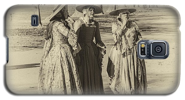 Galaxy S5 Case featuring the photograph Colonial Ladies IIi by Terry Rowe