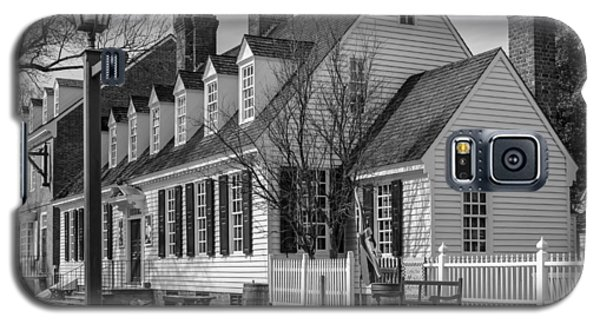 Galaxy S5 Case featuring the photograph Colonial Williamsburg  by Trace Kittrell