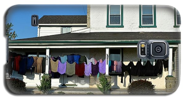 Colorful Amish Laundry On Porch Galaxy S5 Case