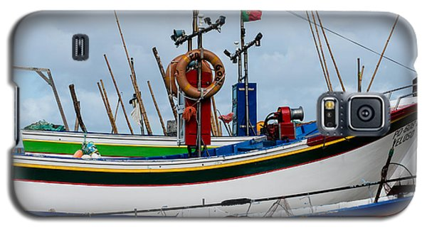 colorful fishing boat with Portuguese flag  Galaxy S5 Case