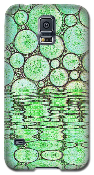 Colorful Oil Drops On A Water Surface Reflections Galaxy S5 Case