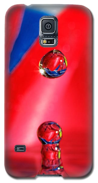 Galaxy S5 Case featuring the photograph Colorful Water Drop by Peter Lakomy