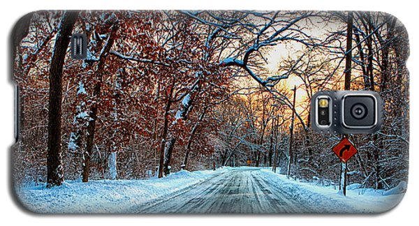 Galaxy S5 Case featuring the photograph Colorful Winter by Jerome Lynch