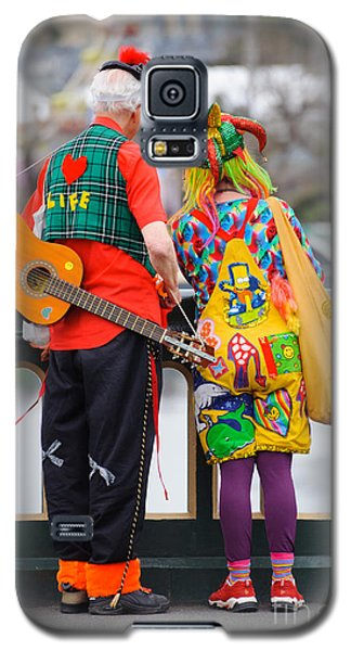Colourfully Dressed Buskers Pause On The Way Home Galaxy S5 Case