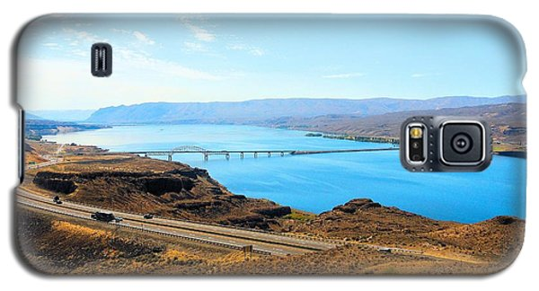 Columbia River From Overlook Galaxy S5 Case by Janette Boyd