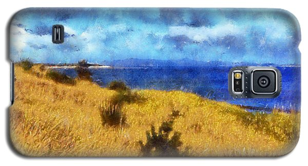 Galaxy S5 Case featuring the digital art Columbia River by Kaylee Mason