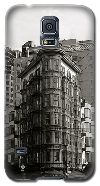Galaxy S5 Case featuring the photograph Columbus Tower San Francisco by Alex King