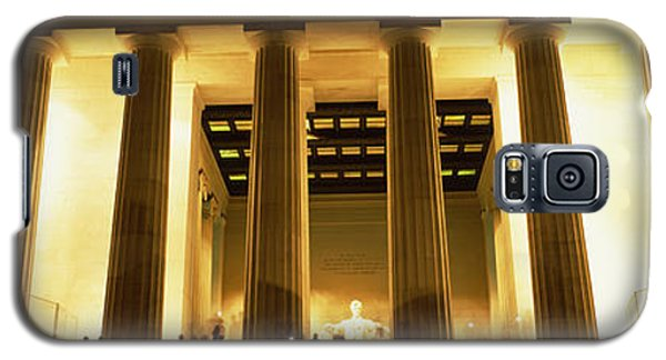 Columns Surrounding A Memorial, Lincoln Galaxy S5 Case by Panoramic Images