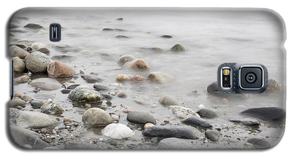 Galaxy S5 Case featuring the photograph Combing The Beach by Andrew Pacheco