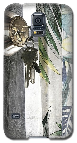 Galaxy S5 Case featuring the photograph Come Back Soon by Ellen Cotton