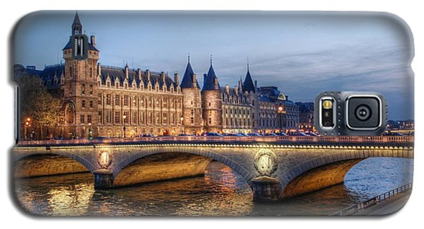 Conciergerie And Pont Napoleon At Twilight Galaxy S5 Case