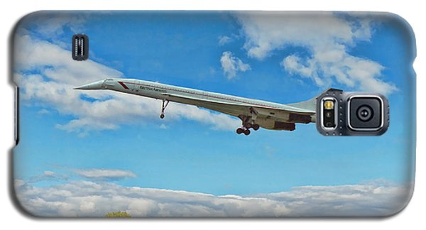 Galaxy S5 Case featuring the digital art Concorde On Finals by Paul Gulliver