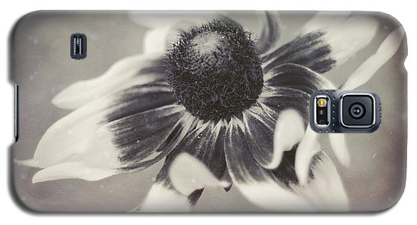 Coneflower In Monochrome Galaxy S5 Case