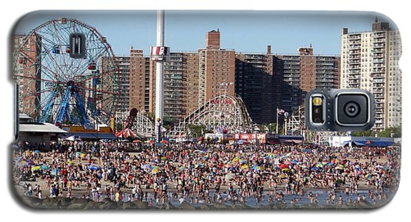 Galaxy S5 Case featuring the photograph Coney Island by Ed Weidman