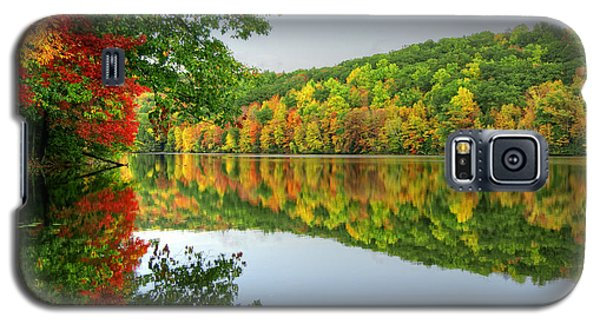 Connecticut River In Autumn Galaxy S5 Case